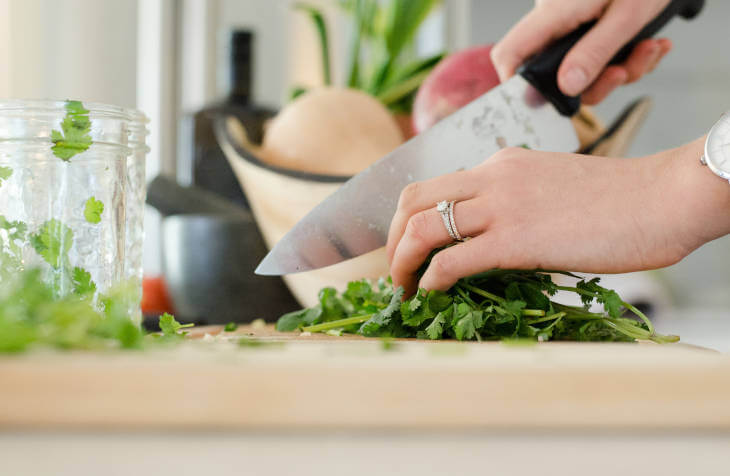 Seckanje i priprema sastojaka za kuvanje