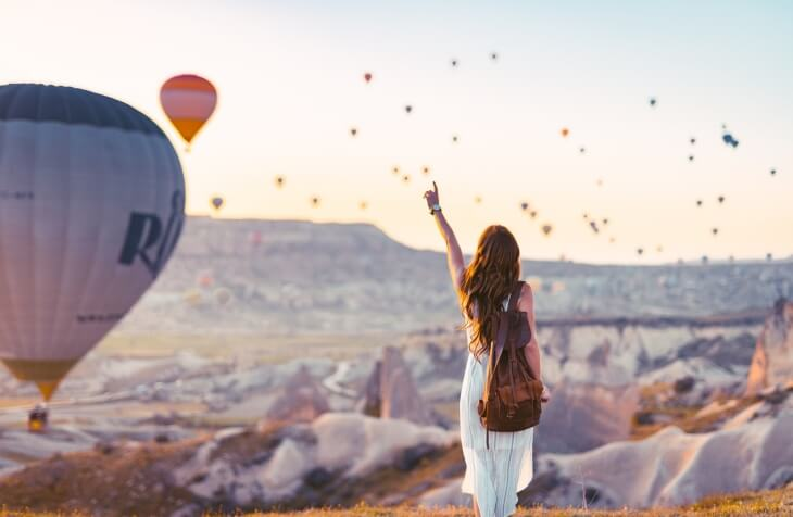 devojka u Kapadokiji